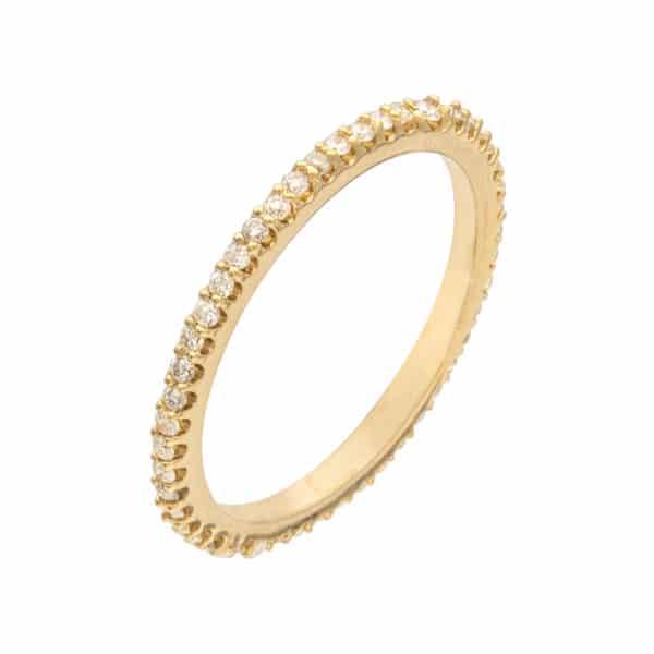 Delicacy est une alliance tour complet en or jaune 750/1000ème accompagnée de 45 Diamants taille brillant. - oblique